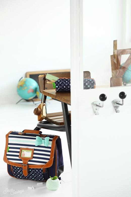 tann 39 s jesus sauvage. Black Bedroom Furniture Sets. Home Design Ideas